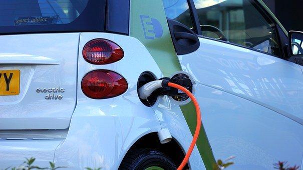 Voici une voiture électrique : la smart For two électrique