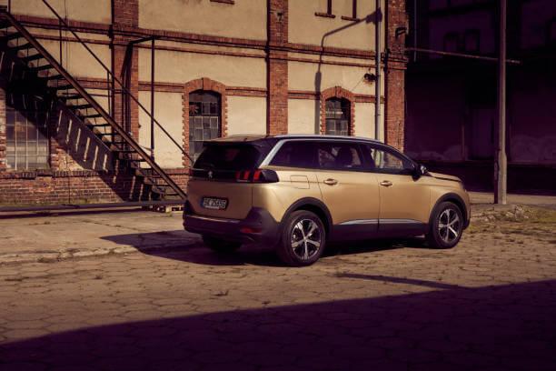 Voici le nouveau Peugeot 5008
