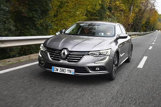 Voici une des concurrentes de la C5 X, la Renault Talisman