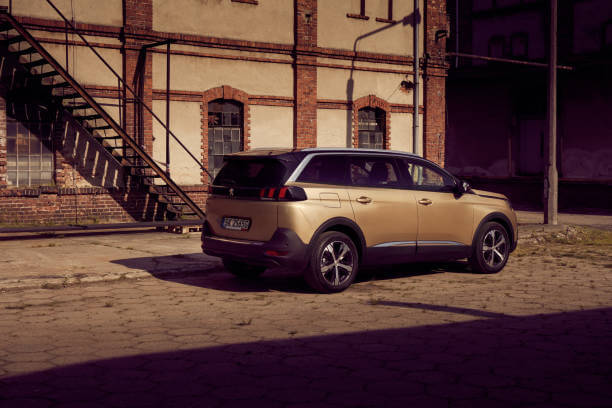 Nouveau SUV 5008, l'idéale pour une grande famille ? Comment choisir sa carrosserie ?