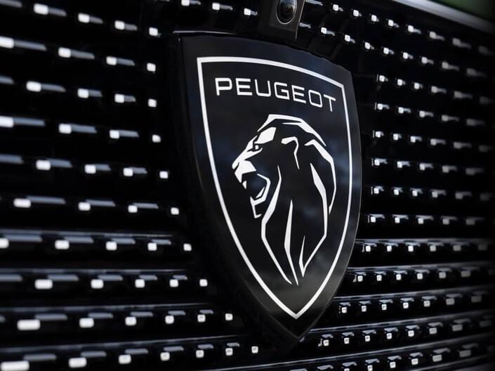 Le nouveau logo de Peugeot, présent sur la nouvelle Peugeot 308